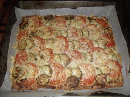une petite tarte tomate/courgettes façon provençale