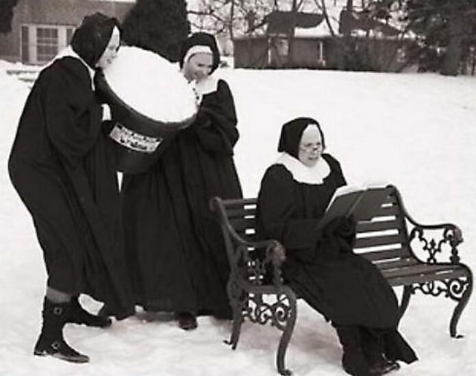 Abominables Nonnes Des Neiges