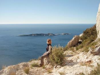 Monique devant l'île Riou