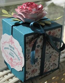 Boîte fleurie
