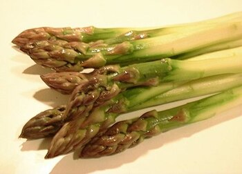 Asperges mimosa.