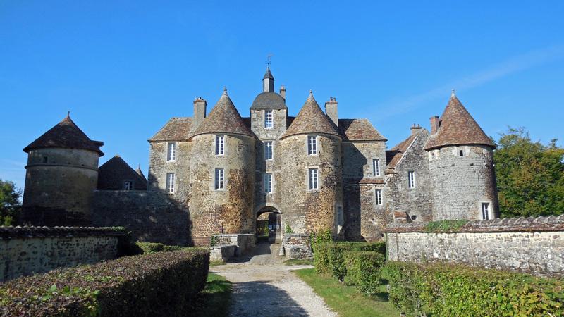 CHATEAU DE RATILLY Treigny (Yonne)