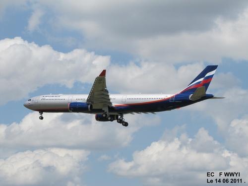 Airbus A 330 F WWYI Le 14 06 2011 à 14h48.