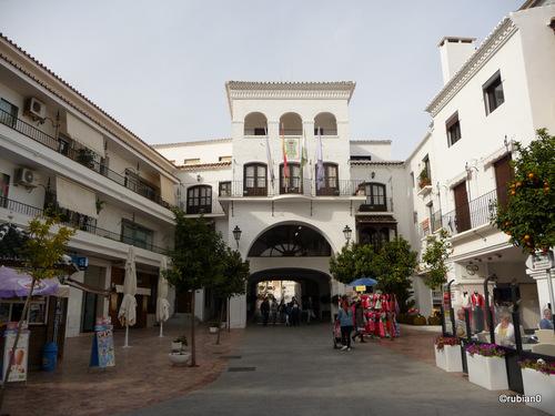 L'Ayuntamiento (mairie)