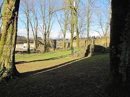 le-chateau-de-Pouzauges-lors-de-La-tempete-Xyntia 0002