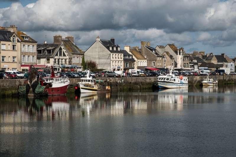 """En Normandie, le """"village préféré des Français"""" confronté à une pénurie de main d'œuvre"""