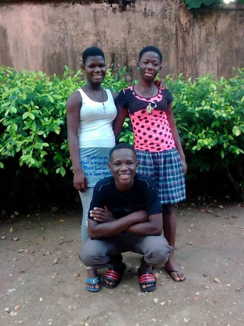 trois diplômés à Pagala