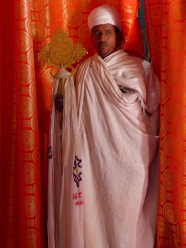 le prêtre de l'église de bieta abba libanos