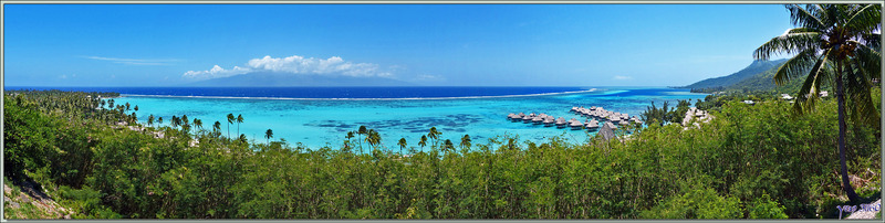 Panorama sur la plage de Temae et l'hôtel Sofitel Ia Ora vus du point de vue de Toatea - Moorea - Polynésie française