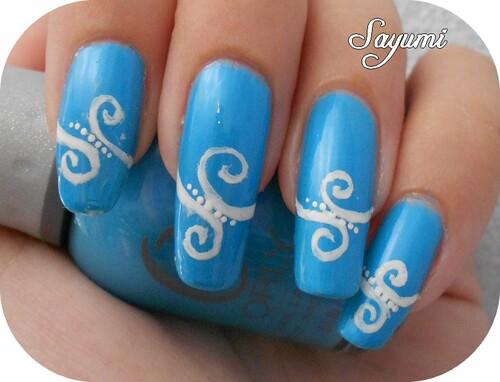 Nail Art White Swirl