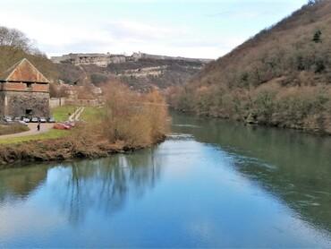 DRC - Besançon - Le Doubs, Tour bastionnée de Chamars et la Citadelle Vauban