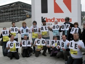 groupe-lettre-kinder-malbouffe-07-04-2012-AA-pf.jpg