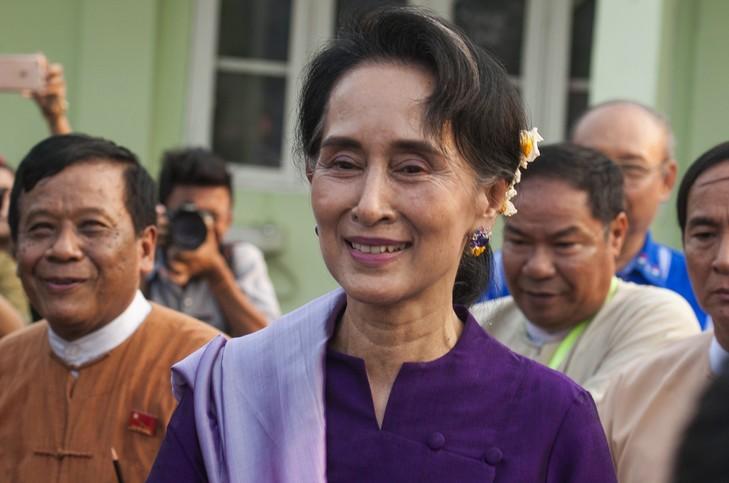 Aung San Suu Kyi n'a pas pu devenir présidente de Birmanienotamment parce qu'elle est mariée à un étranger.