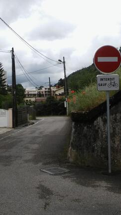 Chemin Noir: double sens cyclable sans issue!