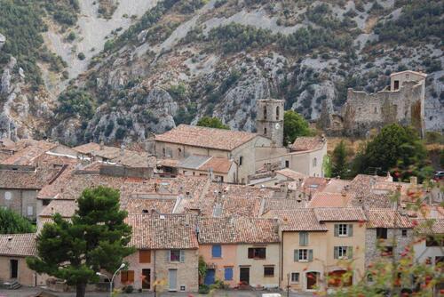 Gréolières et son château