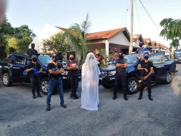 Malaisie- le confinement est assuré par un fantôme !
