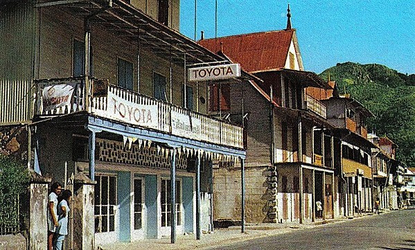 800px-Old_shops_Victoria_Seychelles_1970s.jpg