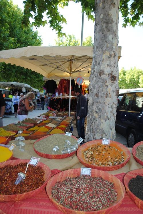 Lundi, le jour du marché à Bédoin