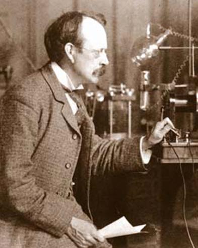Joseph J. Thomson au laboratoire Cavendish vers 1900.