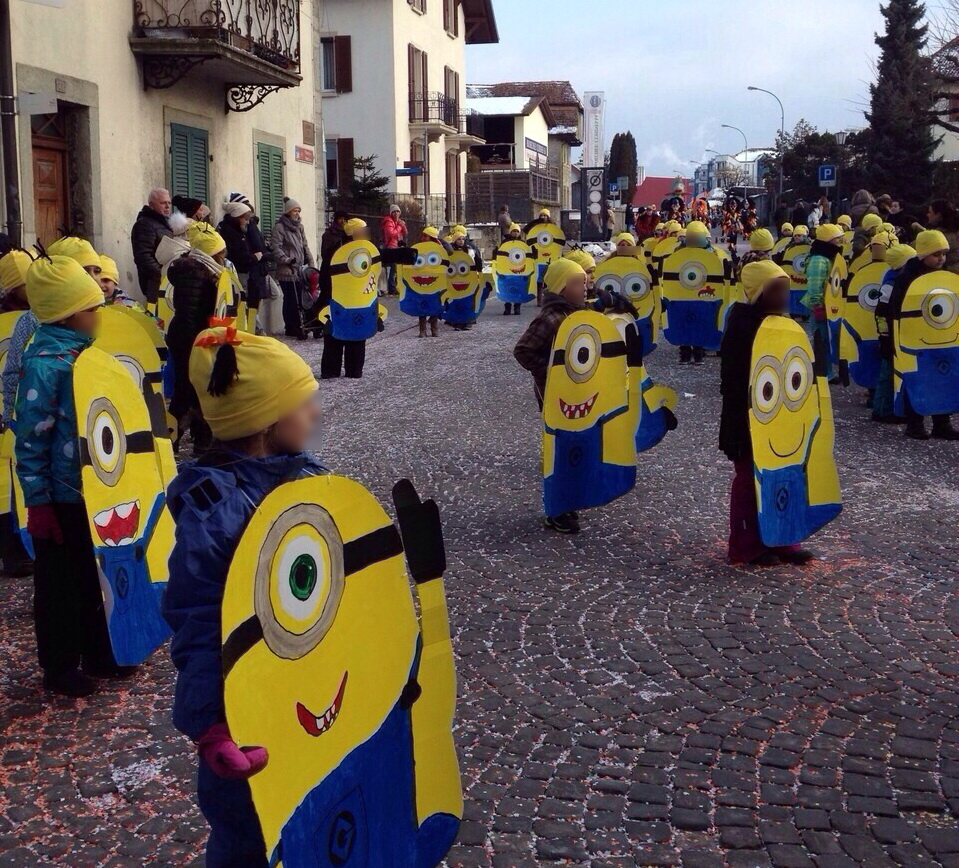 minions ces d guisements de carnaval holaola. Black Bedroom Furniture Sets. Home Design Ideas