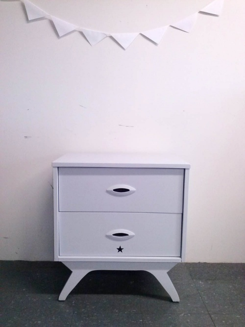 ENSEMBLE DE CHAMBRE : commode + chevet GRIGRIS perle