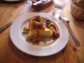 Sauté de porc à la provençale et polenta