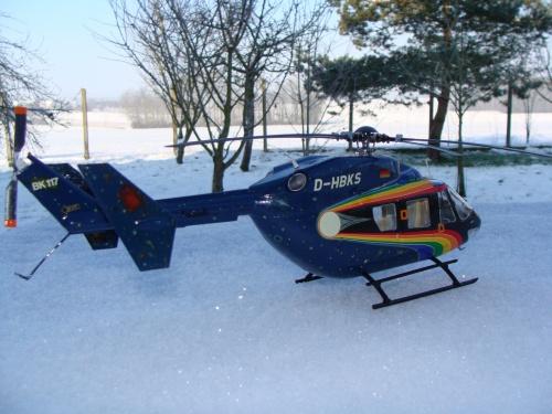 Maquette Revell hélicoptère au 1/32  BK117 D-HBKS(Allemagne)