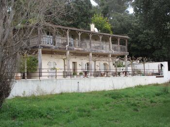 """Curieuse maison """"coloniale"""" devant la plage de Bonporteau"""