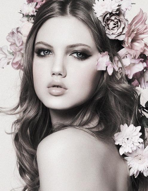 Femme fleur