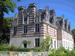 chateau Etelan façade Ouest