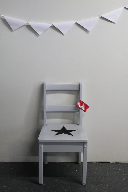 Collection GRIGRIS PERLE : chaise étoile noire