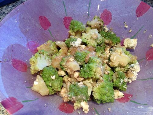 salade chou romanesco, poires et roquefort