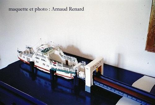 Mindin : maquette du bac - model of the ferryboat