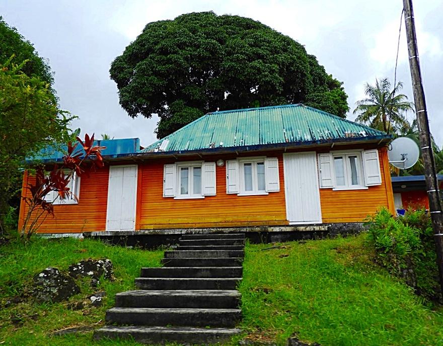 Sur  la route pour aller à Grand-Anse (1/7) Réunion