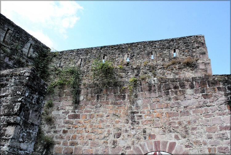 Les remparts de Saint Jean pied de Port