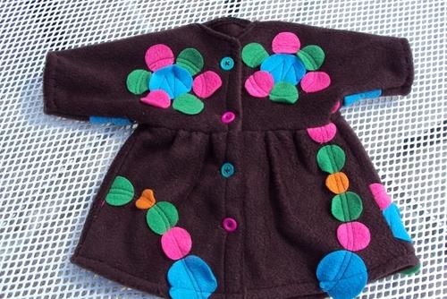 Un manteau de poupée