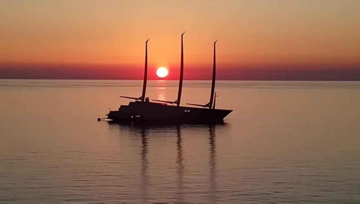 Il navigue en Corse......