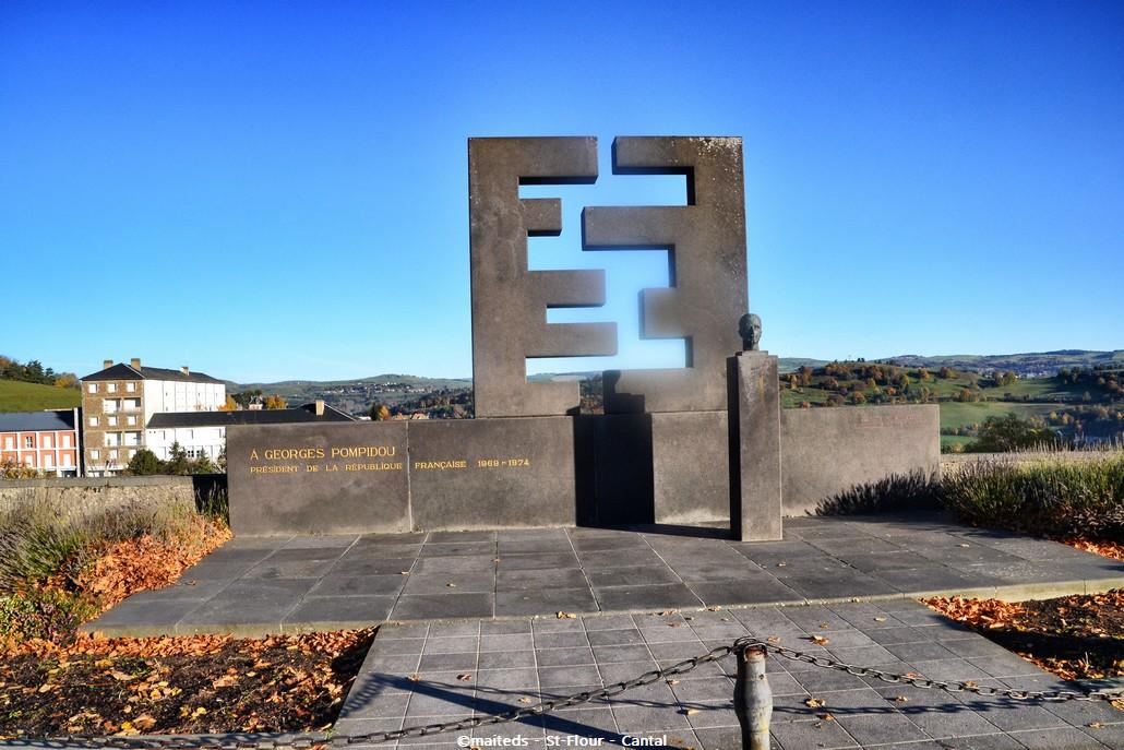 Monument Georges Pompidou - Saint-Flour