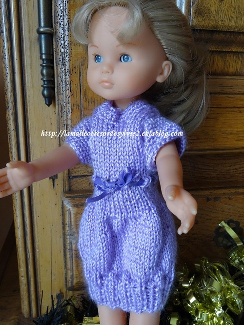 Fiche gratuite vêtement de poupée N° 211: robe pour les Chéries
