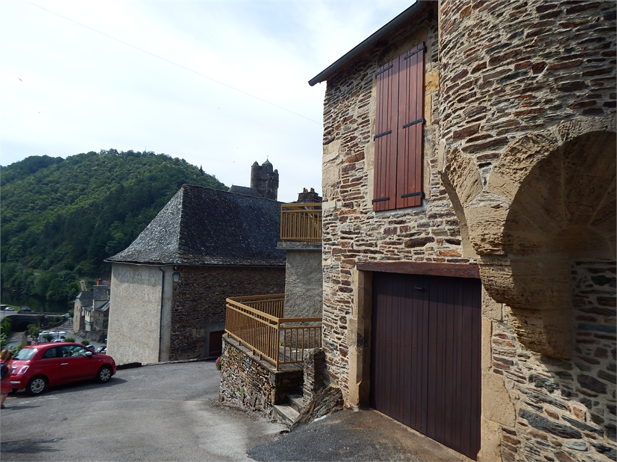 Estaing  suite dept 12