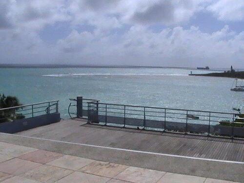 La barrière de corail qui protège le mouillage