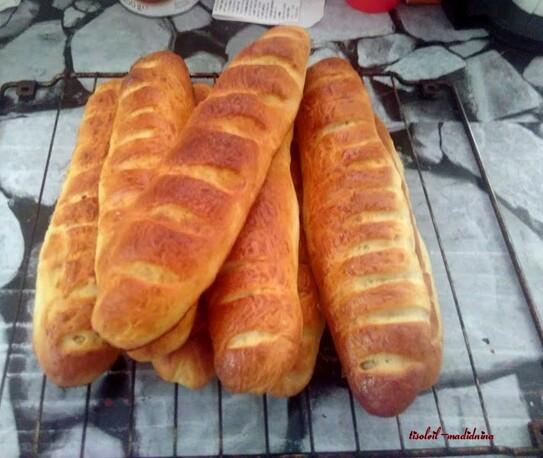 Baguettes viennoises et petits pains à l'huile d'olive