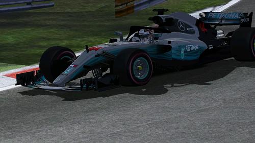 Mercedes AMG Petronas F1 Team - F1 W09 / Lewis Hamilton