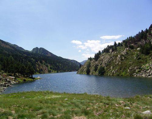 LES LACS DE L'ARIEGE L' ETANG DES BESSINES dans Lacs et étangs de l'Ariège g8lvvSOrUrmcwu4jyHr-6I_kjqY