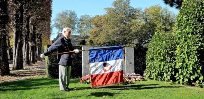 Paris, 6 octobre 2018   Cimetière du Père-Lachaise :   7e anniversaire du dévoilement   de la stèle aux victimes de l'OAS *** Compte rendu de la cérémonie