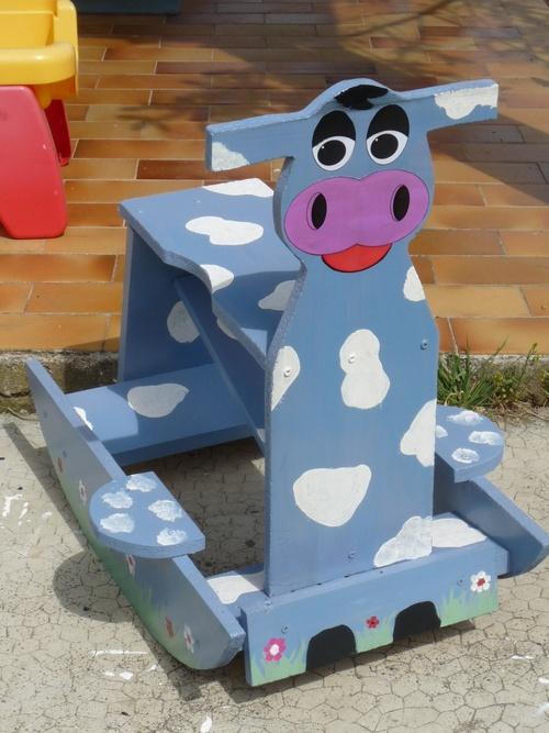 Petite vache à bascule