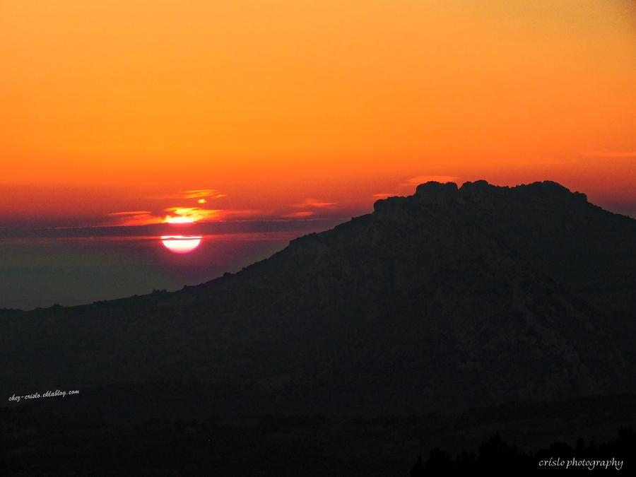 coucher de soleil sur les dentelles de Montmirail