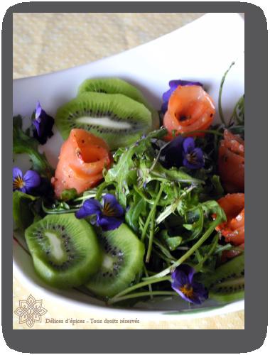 Salade acidulée au saumon et au kiwi