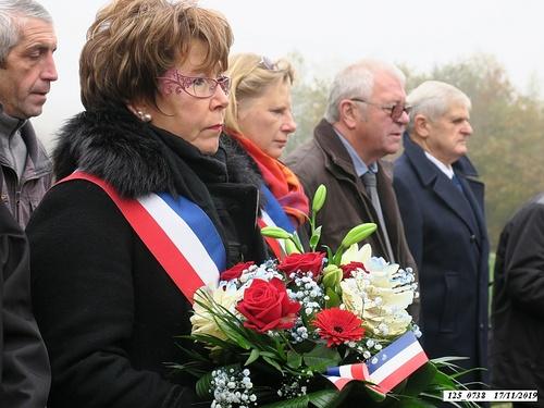 """* Dépôt de gerbes à la stèle Brosset lors de la commémoration du """"75ème anniversaire de la Libération de Frahier-les-Barres, Plancher-Bas et Champagney"""