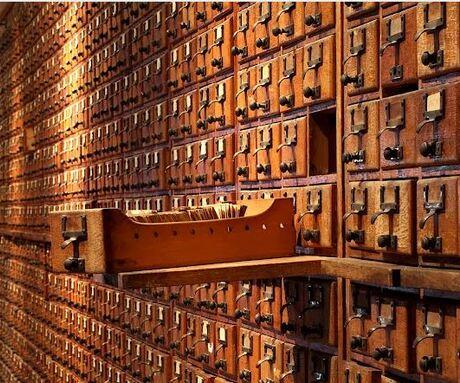 Mundaneum , MONS,rue de nimy, The web time forgot ,Centre d'archives  , espace d'expositions temporaires, Mapping knowledge,